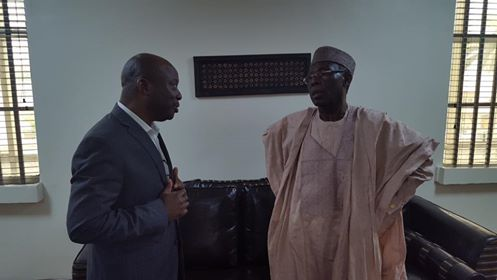 MD of Agronet, Babatunde William-Funmilayo, discussing with the Hon. Minister of Agric, Chief Audu Ogbeh after the National Press Conference to present the collaboration between the FMARD and Agronet/Russell IPM for the control of Tuta absoluta across the country
